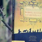 Recenze: Hobiti, elfové a čarodějové – Michael N. Stanton