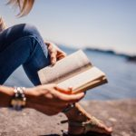 TOP 5 typů knih, které jsou jako stvořené na léto